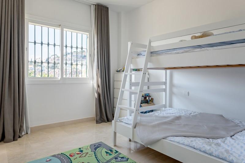2 bed Property For Sale in Benahavís, Costa del Sol - 23