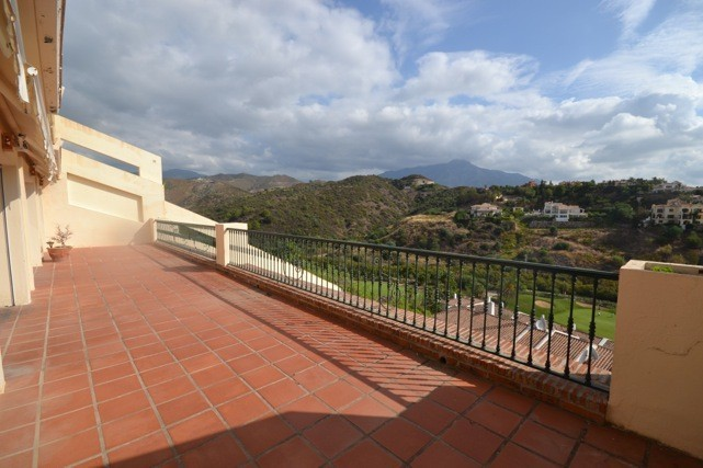 5 bed Property For Sale in La Quinta, Costa del Sol - 21
