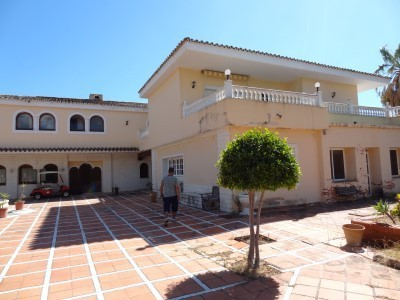 24 bed Property For Sale in Atalaya, Costa del Sol - 1