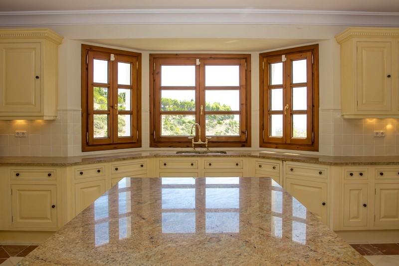 5 bed Property For Sale in El Madroñal, Costa del Sol - 6