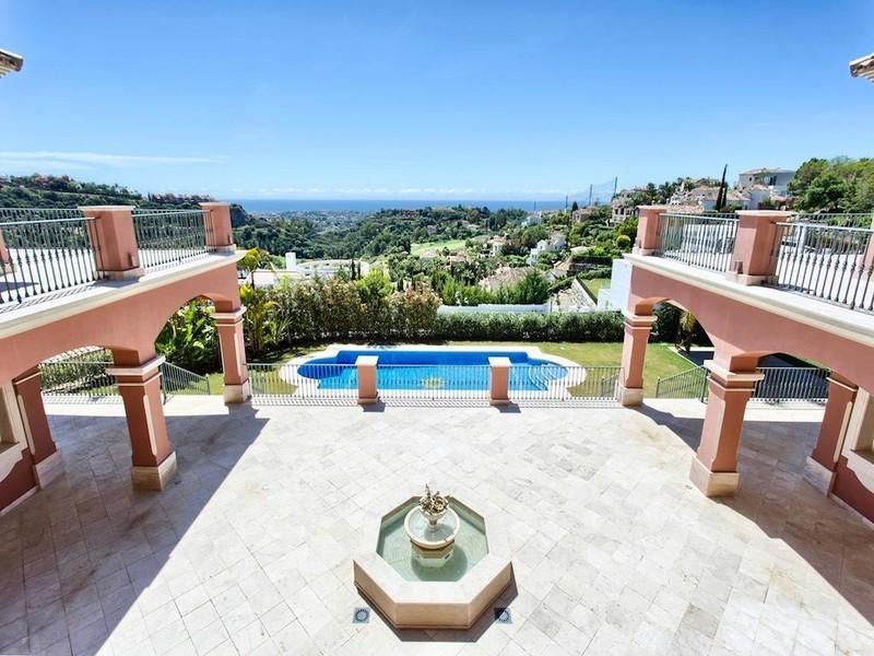 8 bed Property For Sale in Los Arqueros, Costa del Sol - thumb 3