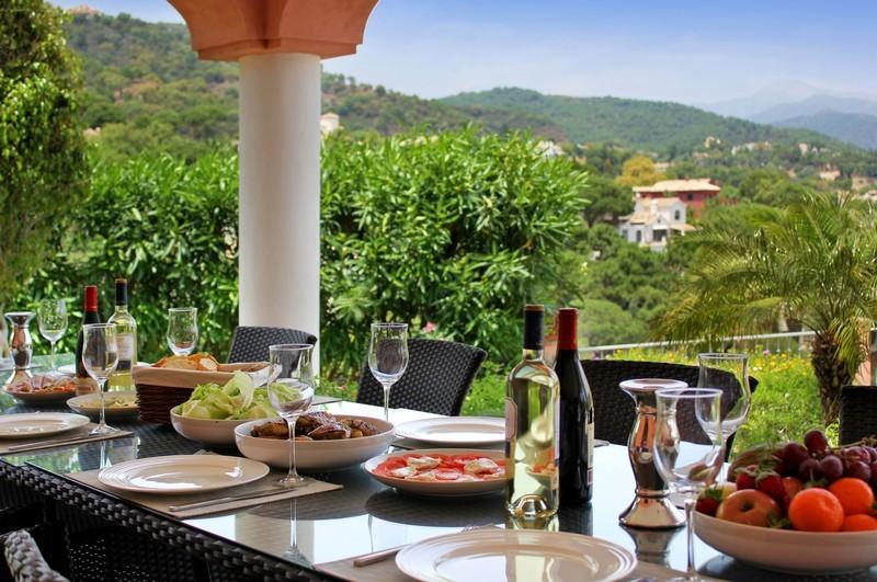 6 bed Property For Sale in El Madroñal, Costa del Sol - thumb 3