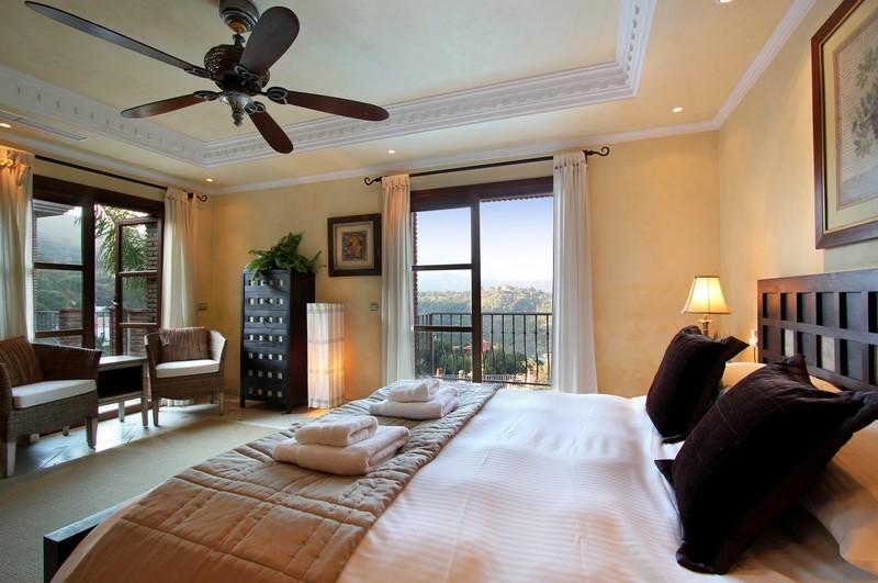 6 bed Property For Sale in El Madroñal, Costa del Sol - thumb 14