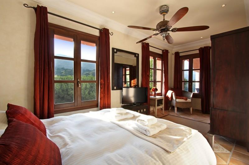 6 bed Property For Sale in El Madroñal, Costa del Sol - thumb 15