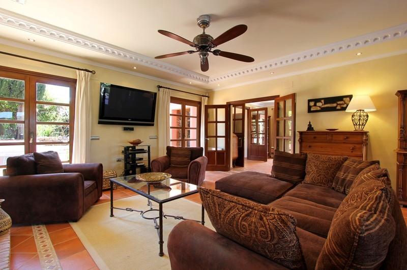 6 bed Property For Sale in El Madroñal, Costa del Sol - thumb 18