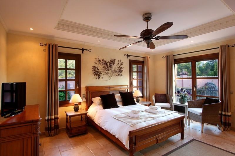 6 bed Property For Sale in El Madroñal, Costa del Sol - thumb 20