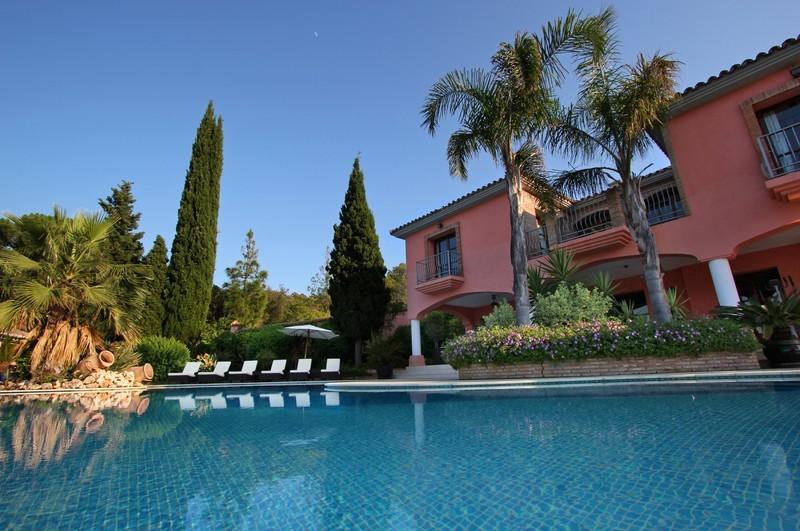 6 bed Property For Sale in El Madroñal, Costa del Sol - thumb 21