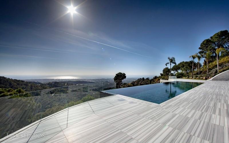 12 bed Property For Sale in La Zagaleta, Costa del Sol - thumb 2