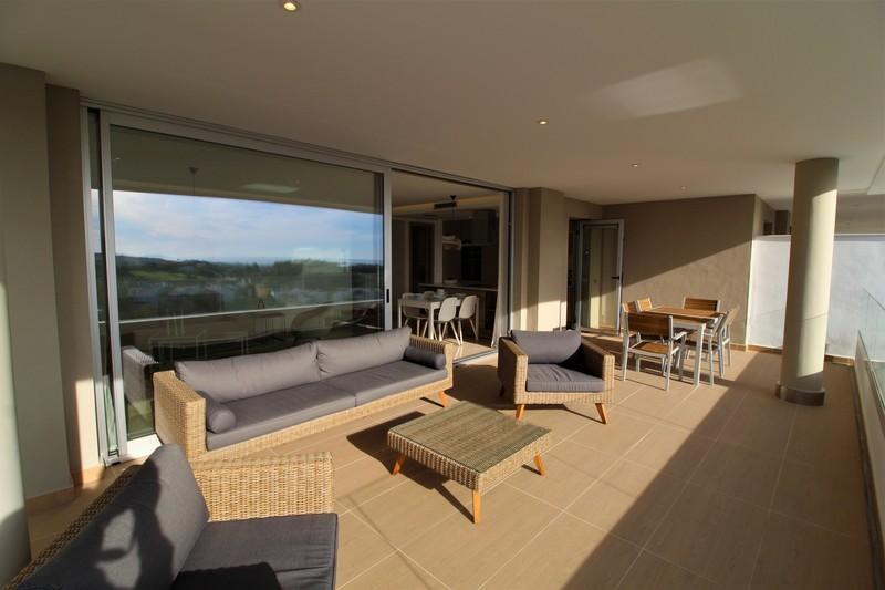 3 bed Property For Sale in Benahavís, Costa del Sol - 3