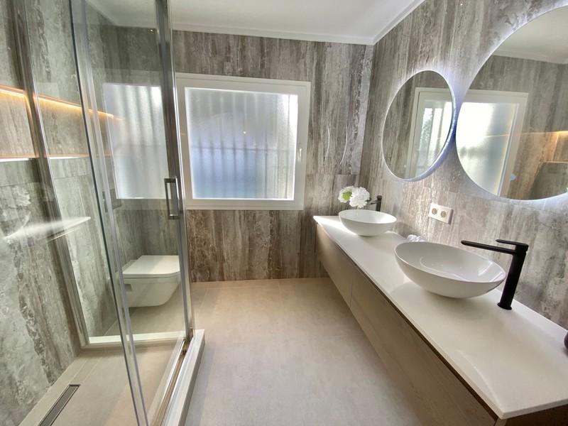 3 bed Property For Sale in La Quinta, Costa del Sol - 8