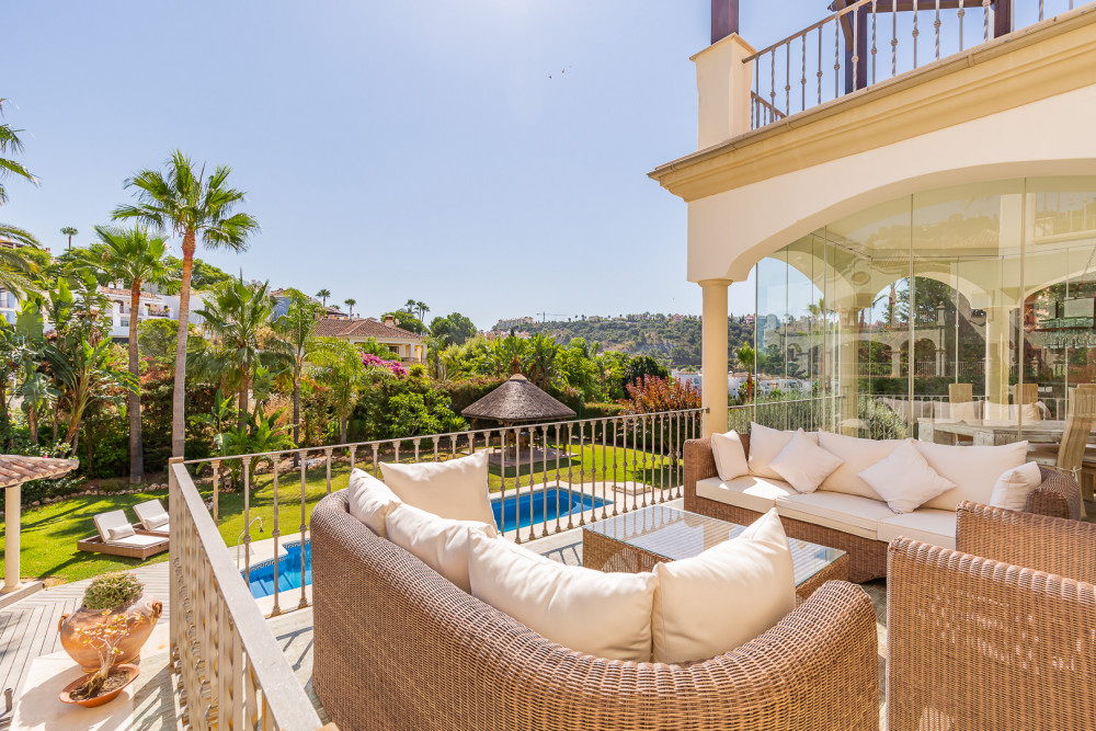 6 bed Property For Sale in Malaga,  - thumb 3