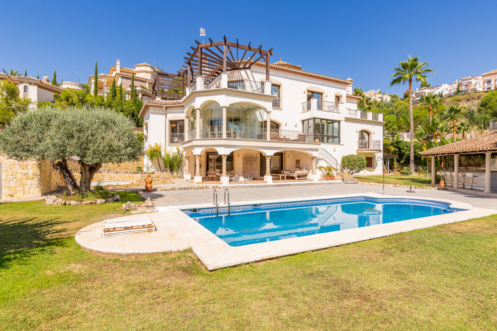 6 bed Property For Sale in Malaga,  - 1
