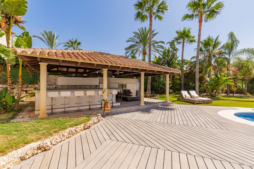 6 bed Property For Sale in Malaga,  - thumb 4