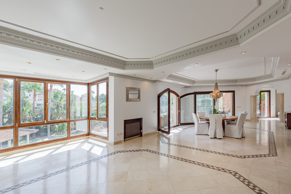 6 bed Property For Sale in Malaga,  - thumb 8
