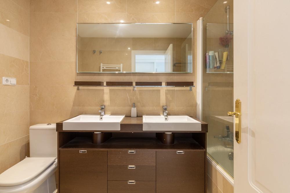 3 bed Property For Sale in Benahavis,  - thumb 7
