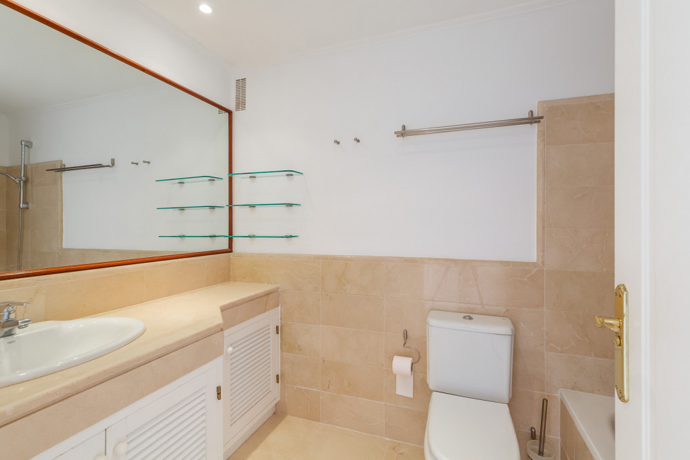 2 bed Property For Sale in Malaga,  - thumb 7