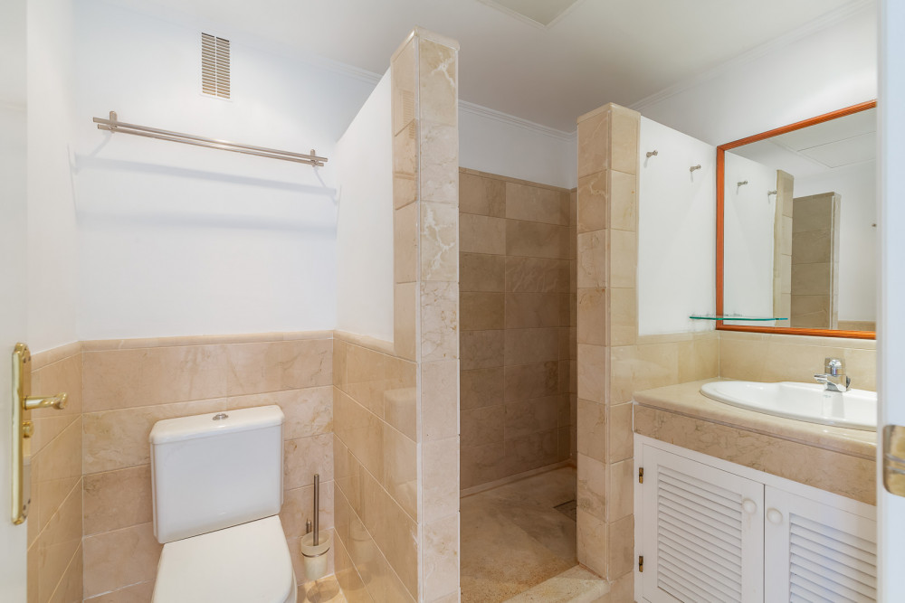 2 bed Property For Sale in Malaga,  - thumb 8