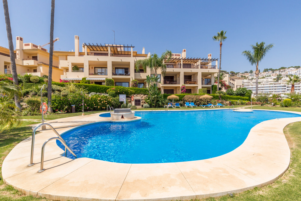 2 bed Property For Sale in Malaga,  - thumb 3